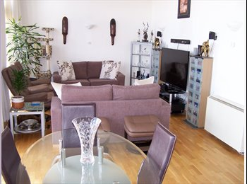 EasyRoommate UK - Double room in penthouse for single professional - Woolwich, London - £680 pcm