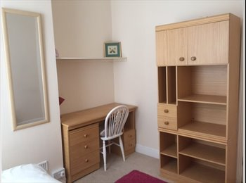 ROOMS TO LET IN QUALITY  HOUSES