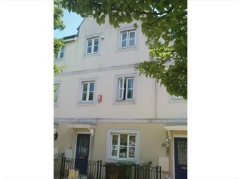 EasyRoommate UK - housemate required - Mutley, Plymouth - £385 pcm