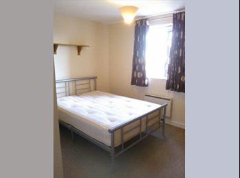 Single bedroom with own bathroom in new flat WV1