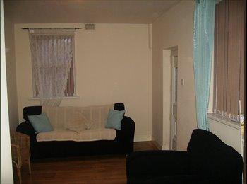 5 bedroom luxury house (2 double rooms left)
