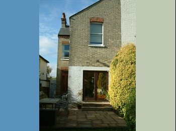DOUBLE BEDROOM HOUSESHARE IN FULLY FURNISHED HOUSE...