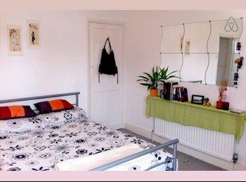 EN SUITE Double Room in Bounds Green