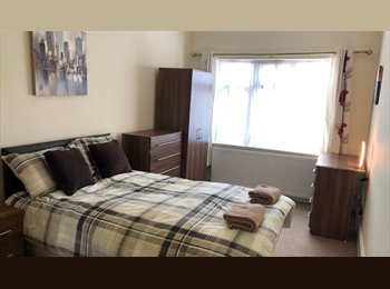 LAREG DOUBLE ENSUITE ROOMS IN FRIENDLY HOUSE