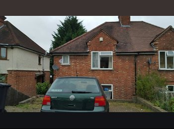 EasyRoommate UK - 5 Bedrooms property for Rent near to town centre in Wycombe, , High Wycombe - £400 pcm