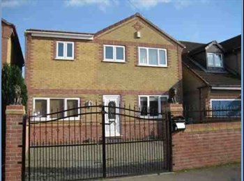 detatched house with 5 double bedrooms 3 bathrooms