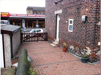 EasyRoommate UK - Large rooms 200 metres Town centre - Rotherham, Rotherham - £347 pcm