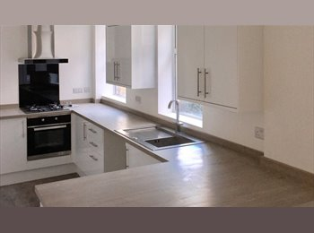 EasyRoommate UK -  BEAUTIFUL VERY LARGE DOUBLE BEDROOMS, Portsmouth - £450 pcm