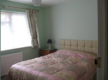 EasyRoommate UK - Newly decorated double room for 1 person, Bognor Regis - £450 pcm