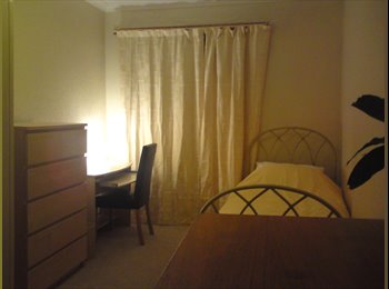 EasyRoommate UK - Furnished room available - Glasgow Centre, Glasgow - £430 pcm