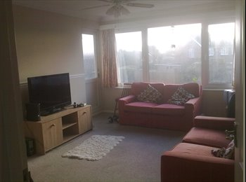 EasyRoommate UK - Double room in friendly flat share - Bognor Regis, Bognor Regis - £400 pcm
