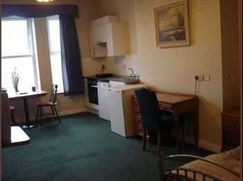 Self-contained double room+kitchenette & En-suite