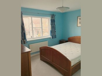 EasyRoommate UK - Great room for you in large shared house. (Kent), Ashford - £425 pcm