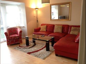 EasyRoommate UK -  M.odern Ensuite Room, 5 Mins To BHX Airport NEC, Tile Cross - £433 pcm