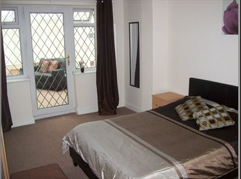 EasyRoommate UK - AVAILABLE NOW! HUGE Furnished Double with Private Conservatory! - Clayton, Newcastle under Lyme - £455 pcm