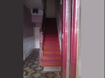 EasyRoommate UK - Maisonette 2 bedrooms central Neville Street, Cardiff - £900 pcm