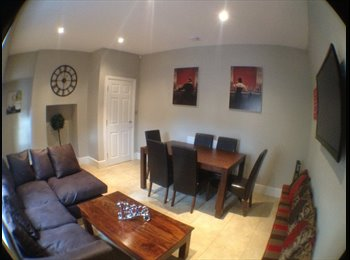 EasyRoommate UK - Boutique Room in luxury house share - Rhyl, Rhyl - £425 pcm
