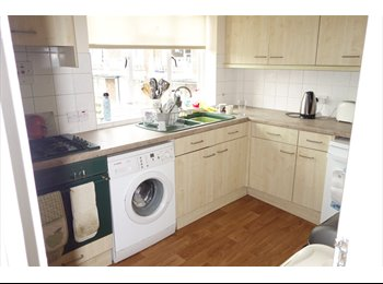 EasyRoommate UK - Luxury Apartment - High Wycombe, High Wycombe - £360 pcm