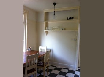 EasyRoommate UK - Houseshare, young professionals, live out landlord, Hastings - £400 pcm