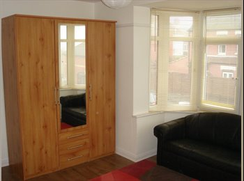 *** Rooms To Let - Dover  ***