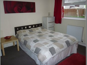 EasyRoommate UK - Double room for rent in Marchwood, Southampton - £380 pcm