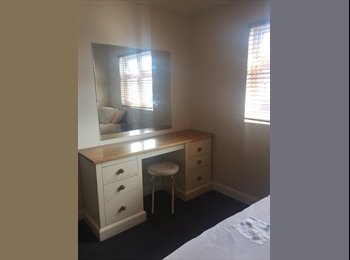 One Bedroom available in quiet house to rent