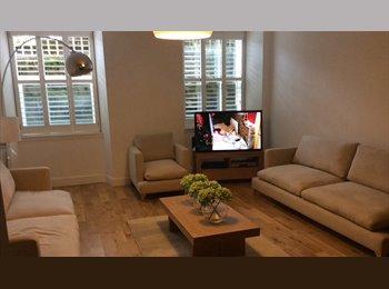 EasyRoommate UK - Spacious room avaliable - Hillhead, Glasgow - £500 pcm