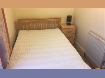 EasyRoommate UK - STUDENT ACCOMMODATION - 2015-2016 ACADEMIC YEAR - Fratton, Portsmouth - £275 pcm