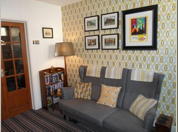 EasyRoommate UK - Friendly couple seek housemate - Loughborough, Loughborough - £325 pcm