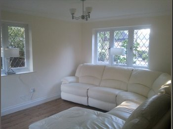 EasyRoommate UK - Lovely Double Room in a Fully Refurbished House - Easthampstead, Bracknell - £485 pcm