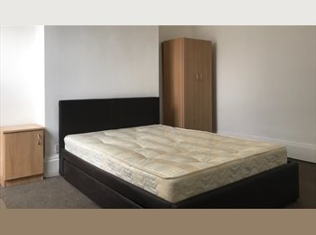 **NO FEES** DOUBLE ROOM IN CLEAN SHARED HOUSE, WIFI, ALL...