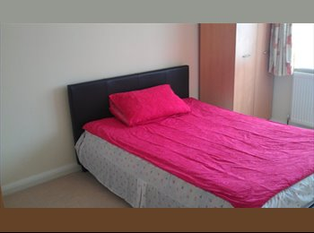 EasyRoommate UK - Double room, quiet location. - Isleworth, London - £500 pcm