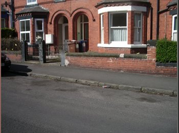EasyRoommate UK - SELF CONTAINED STUDIO FLAT IN CHESTER - Chester, Chester - £425 pcm