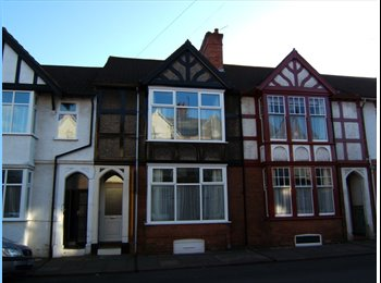 EasyRoommate UK -  Double Rooms Available, Abington - £600 pcm
