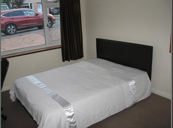 1 DOUBLE & 1 SINGLE BEDROOM IN A 7 WAY SHARE