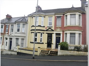 Lipson Road, double  room available today...