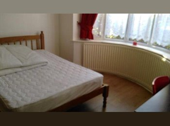EasyRoommate UK - Double room to rent in Cheylesmore, Coventry, Coventry - £380 pcm