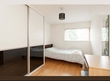 SHORT TERM LET-1 Bed with ensuite avail in Dalston