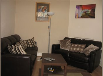EasyRoommate UK - Large double bedroom in Meanwood inc. ALL Bills, Headingley - £425 pcm