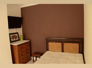 EasyRoommate UK - Beautiful Room, Whittington Moor, Chesterfield S41 - Whittington, Chesterfield - £347 pcm