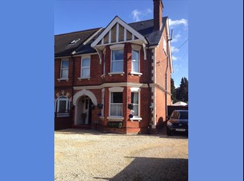 EasyRoommate UK - Quality double room!, - Farnborough, Hart and Rushmoor - £595 pcm