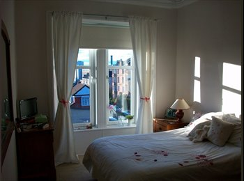 Large Double Room to Rent in Big Traditional Flat