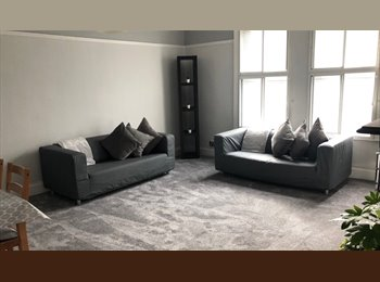 EasyRoommate UK - 1 room available in 3 Bed Student Apartment Fully Furnished, Armley - £437 pcm