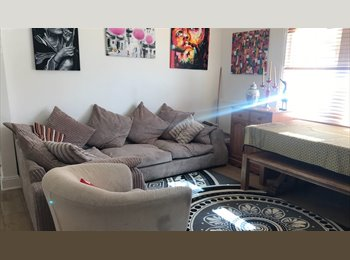 1 rooms available in a large 3 bedroom house
