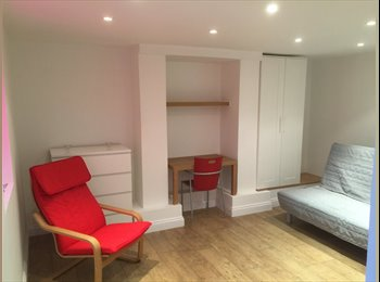 STUDIO FLAT CLOSE TO CITY CENTRE & UNI