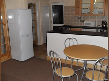 Double and single room in refurbished house