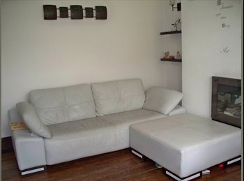 2 Rooms Available NOW***COSY HOUSE**