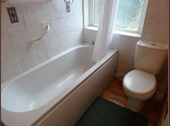 EasyRoommate UK - Bills included student only £65 x 1 double rooms - Huddersfield, Kirklees - £260 pcm