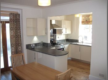 EasyRoommate UK - Double room available in newly refurbished house - Huddersfield, Kirklees - £395 pcm