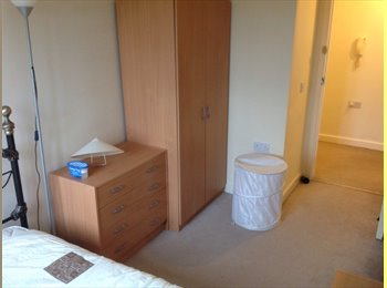 EasyRoommate UK - A DOUBLEROOM 4 RENT - High Wycombe, High Wycombe - £350 pcm